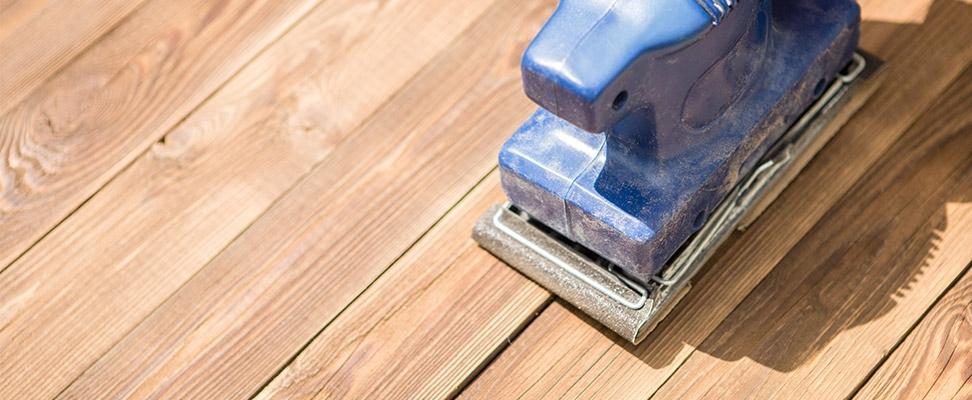 Båndpudser til slibning af gulv