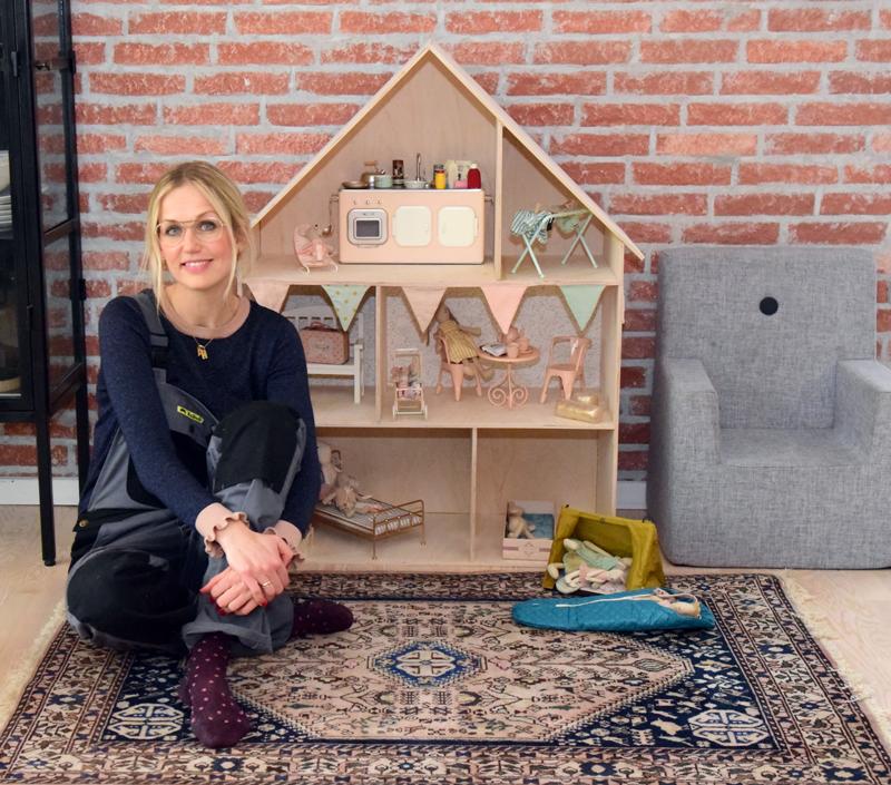 Sabinas verden byg selv dukkehus